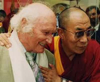 Harrer avec son fidèle ami, le 14e dalaï-lama (Source : facebook)